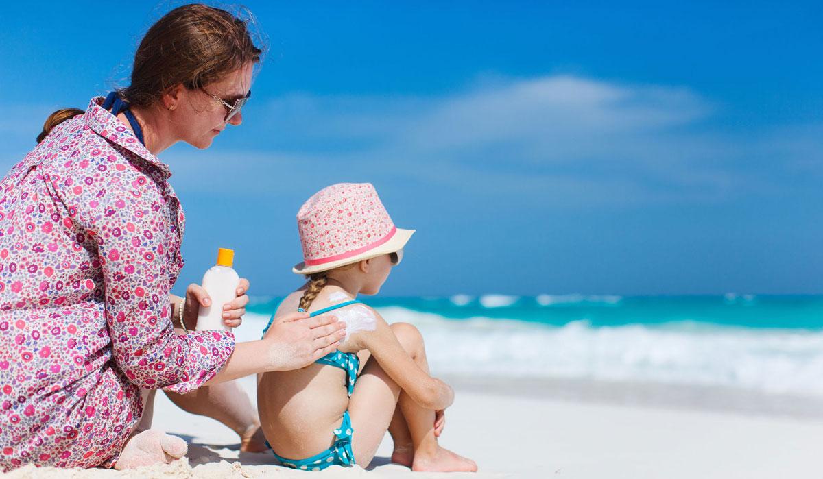 بهترین کرم ضد آفتاب چه ویژگی هایی دارد و چرا باید از آن استفاده کنیم؟